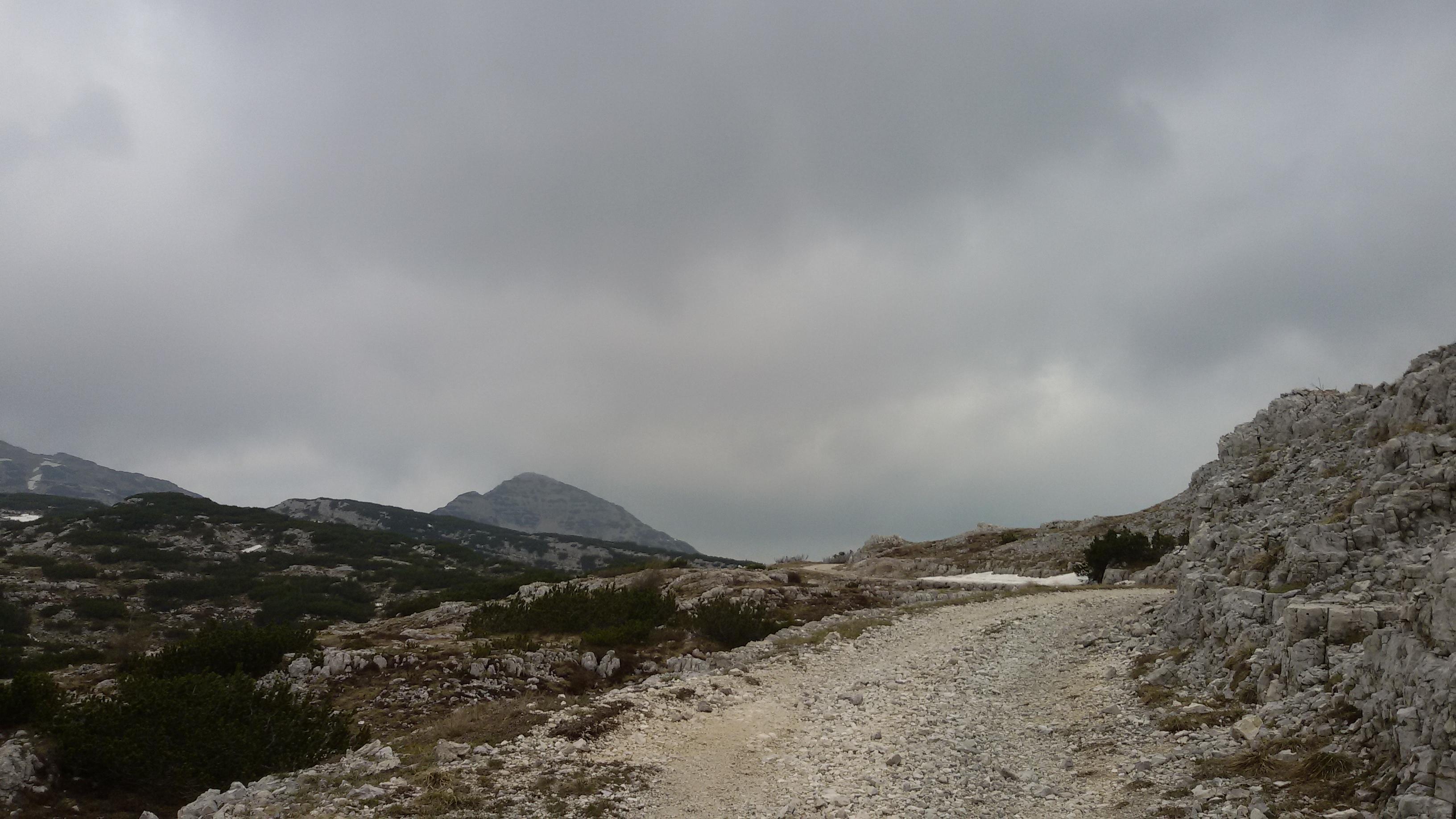 Escursione ad anello dal bivio di Basa Senocio