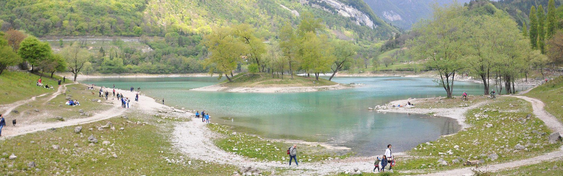 """Il """"lago azzurro"""" di Tenno"""