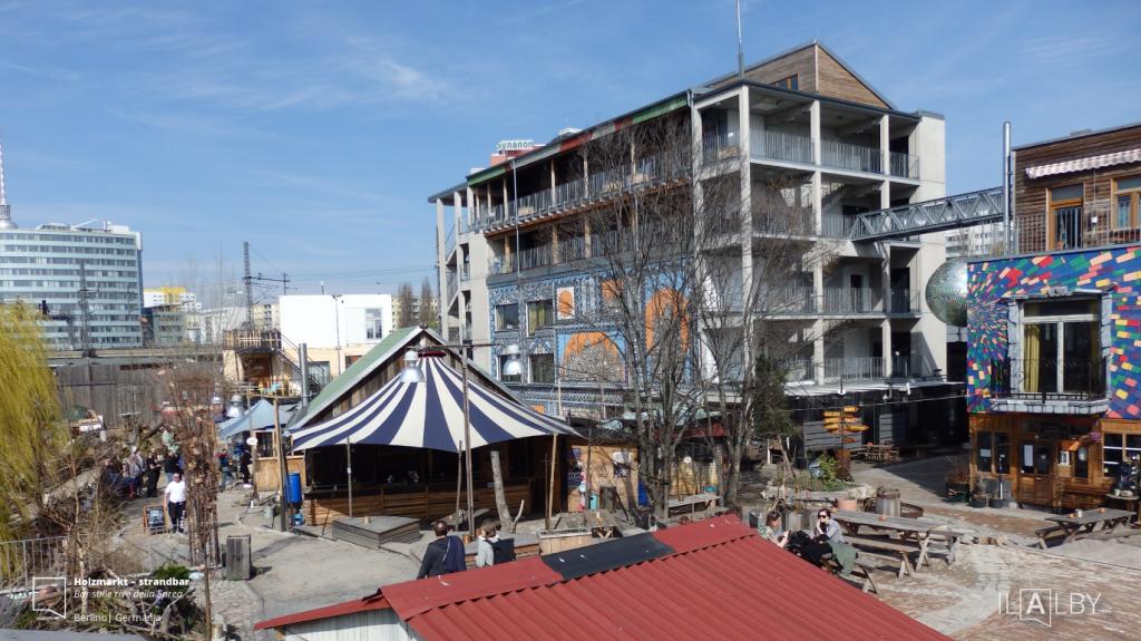 Holzmarkt-–-strandbar