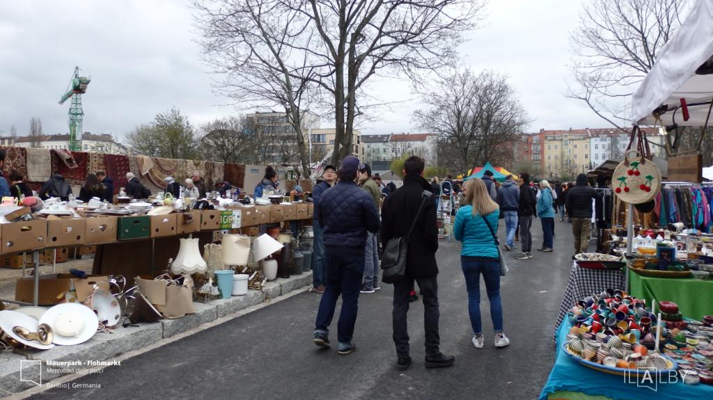 Mauerpark Flohmarkt